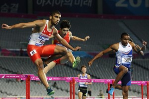 Eric Cray (399) during the 400m hurdles finals at the 2014 Asian Games where he settled for 6th place.  (Photocredit: Suhaimi Abdullah / Getty Images)