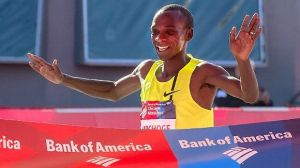 Eliud Kipchoge wins the 2014 Chicago Marathon (Photocredits: AP/Andrew Nelles)