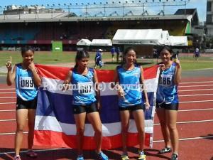 The Thai girls 4x100m team